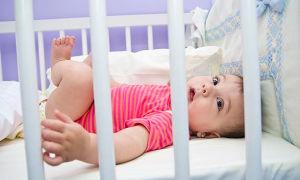 Как правильно должен спать грудничок?