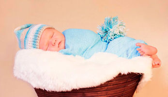 Оптимальный возраст для пеленания ребенка